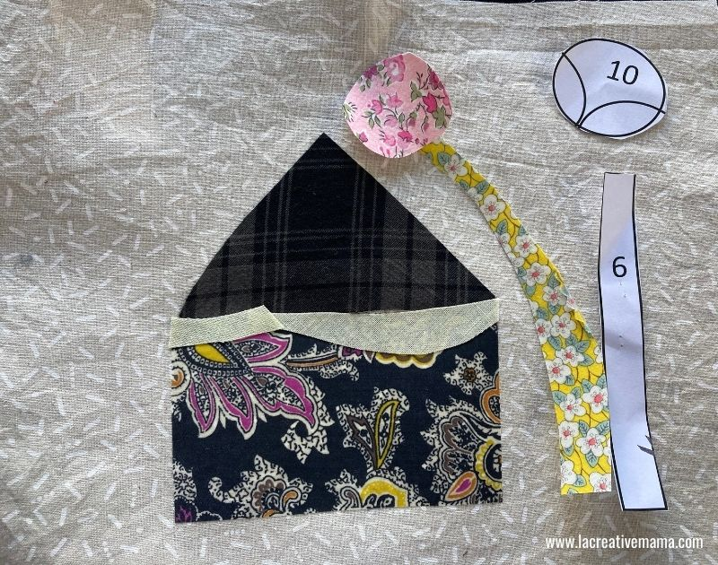 fabric collage applique for christmas pillow using fabroc scraps