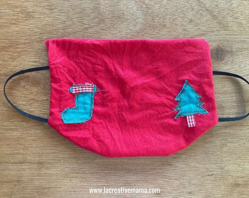 sewing a Christmas fitted face mask tutorial
