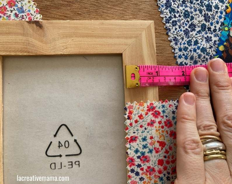 how to decorate a frames with fabric scraps tutorial