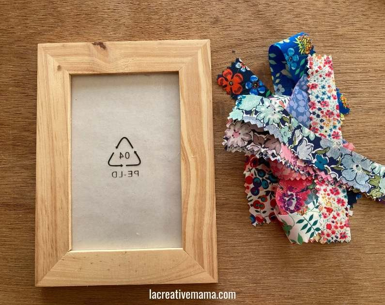 How to decorate a wooden frame with fabric scraps tutorial 3