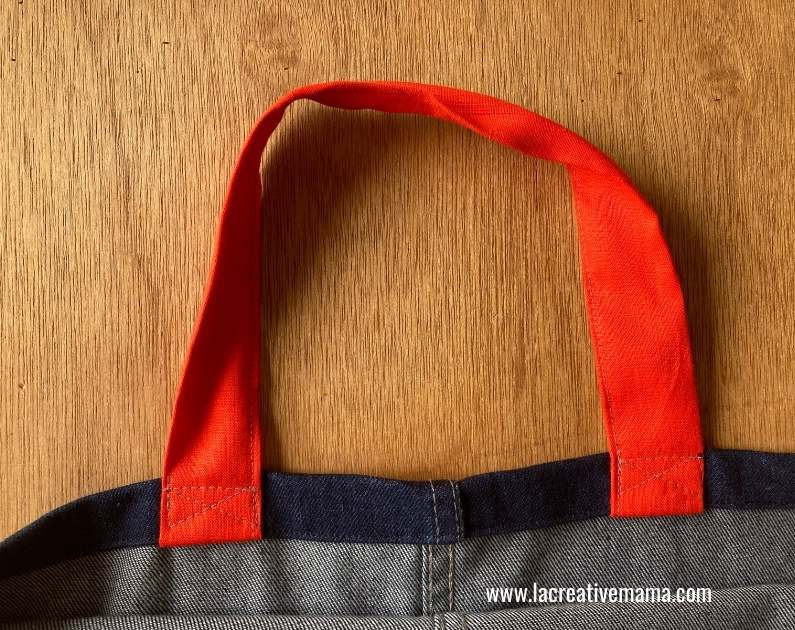 sewing the straps to the tote hem edge