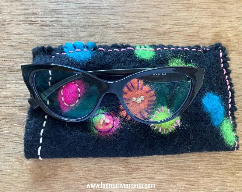 how to make an embroidered felt pouch using wet felted wool